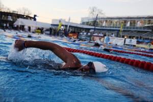 j_swimming